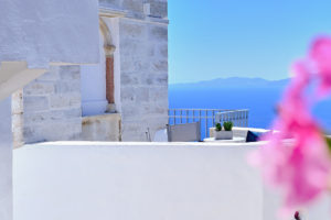 Living Theros Luxury Suites Tinos – Gallery (3)